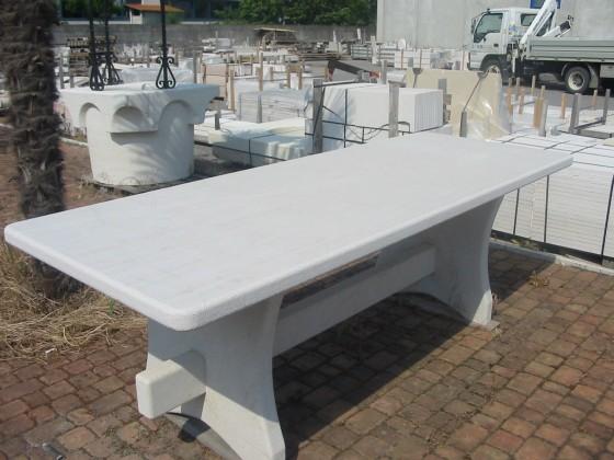 Tavolo Pietra Bianca di Prun