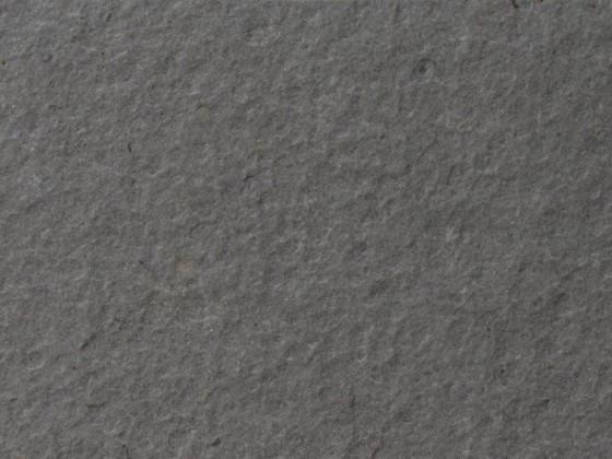Quarzite grigia, piano fiammato+spazzolato